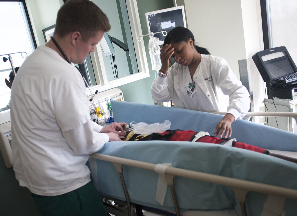 How to choose the best nursing program for you
